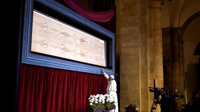 Ferenc pápa Torinóban