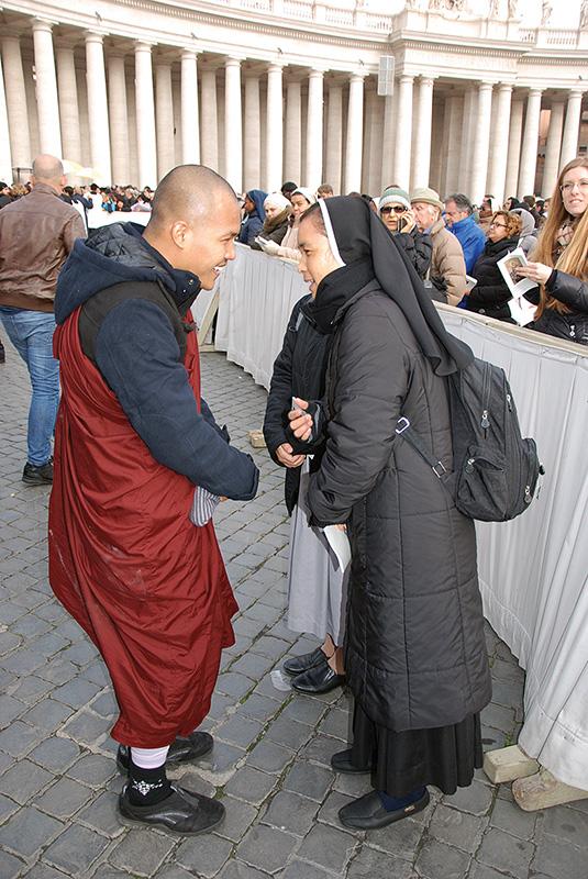 Vallási békesség a téren