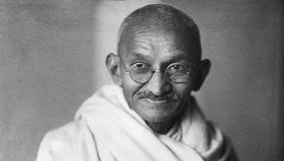 Gandhi újra böjtölt