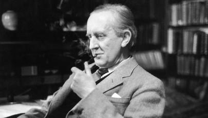 A múltban játszódik, de a jelenhez szól – Tolkien és a vallás