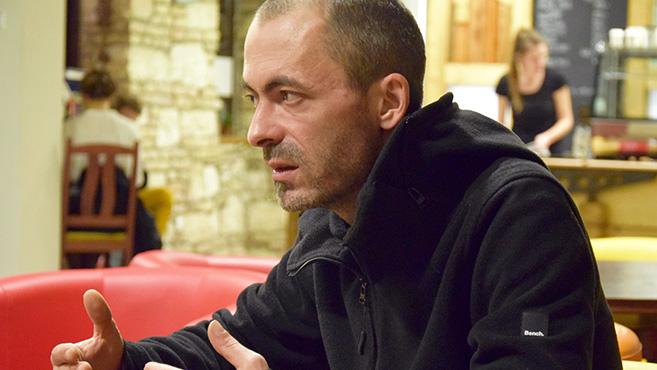 Folyamatos befejezetlen jelen – Beszélgetés Kubiszyn Viktorral