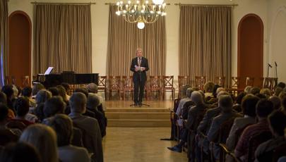 Szép magyar ének – Erdélyi népdalok a táncház-mozgalom énekeiből