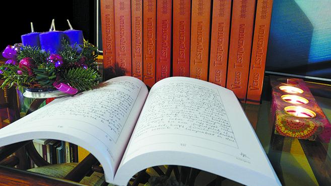 Elkészült a szegedi kézzel másolt Biblia hasonmás kiadása