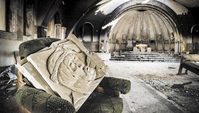 Romok az otthonok helyett – az iraki keresztény Karakos város és lakóinak sorsa