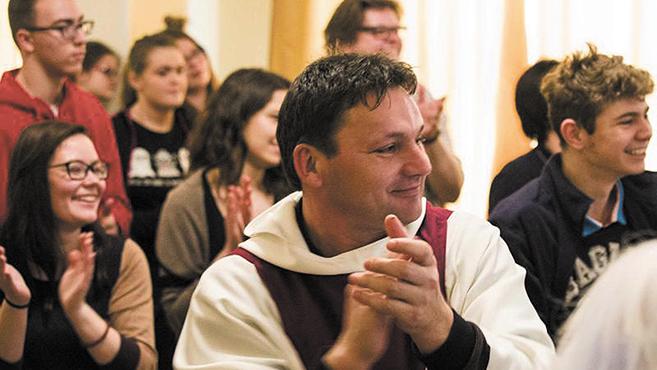 Szeretetből születő válaszok – fiatalok találkoztak szerzetesrendek képviselőivel Nyíregyházán