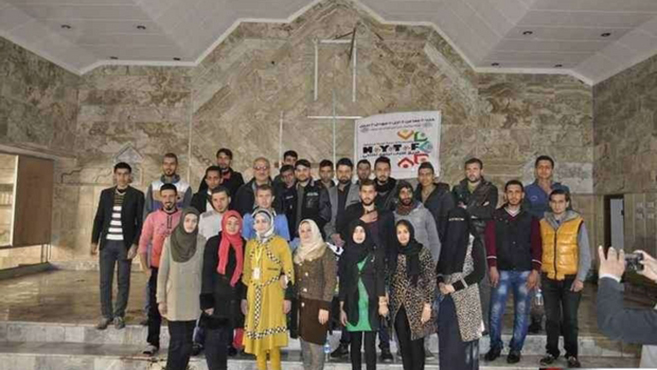 Muszlim fiatalok rendbe hoztak egy keresztény templomot