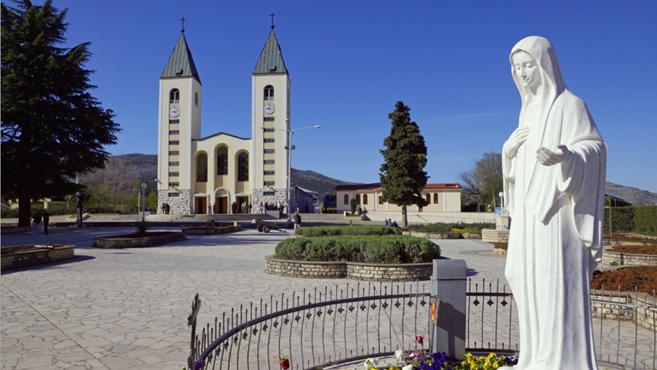 Ratko Perić püspök: Mária nem jelent meg Međugorjéban