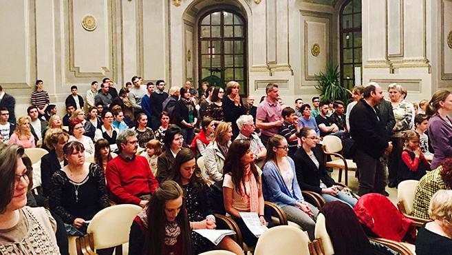 A fiatalokért imádkoztak