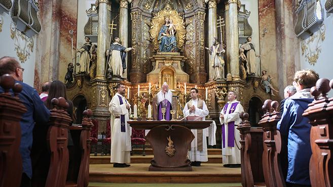Jézus iskolájában – Örökimádás-kápolna nyílt Sopronban
