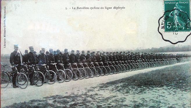 Biciklivel a háborúba