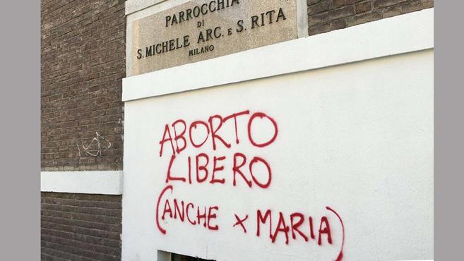 Abortuszpárti provokációegy milánói plébánián