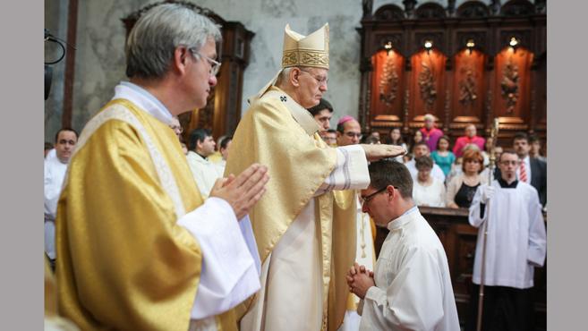 Egy jó pap jelenléte megeleveníti a közösséget