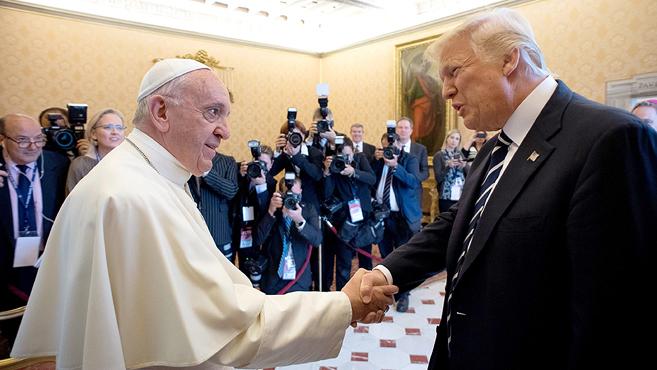 A pápa fogadta az amerikai elnököt