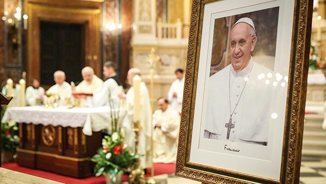 Hálaadó szentmise Ferenc pápáért Budapesten