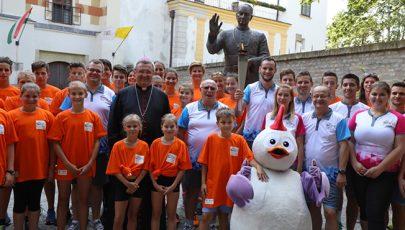 Veres András megáldotta az Európai Ifjúsági Olimpiai Fesztivál lángját