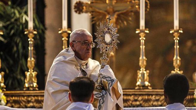 Az Eucharisztia Isten irántunk tanúsított szeretetére emlékeztet minket