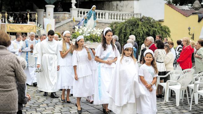 Mária oltalmába ajánlották ősi örökségét – hazánkat