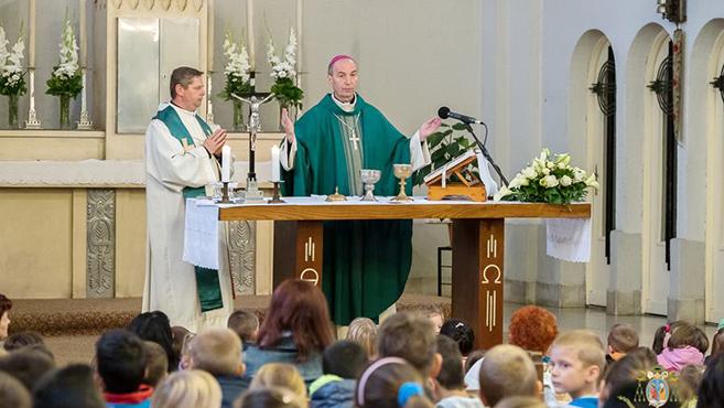 Szent Gellért püspökre emlékeztek Komlón