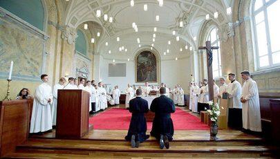 Két piarista szerzetes tett örökfogadalmat