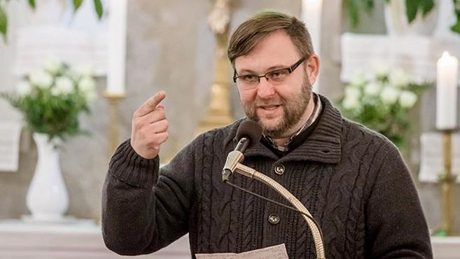 Villanófényben Tornyai Gábor
