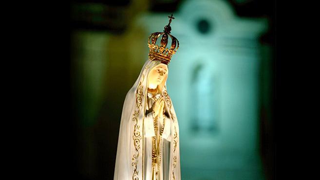 A Fatimai Szűzanya vándorszobra Pozsonyban