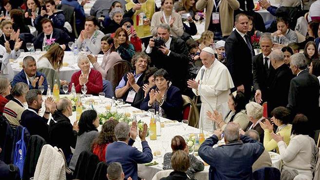 Szegények ebédje a Szentatyával a Vatikánban