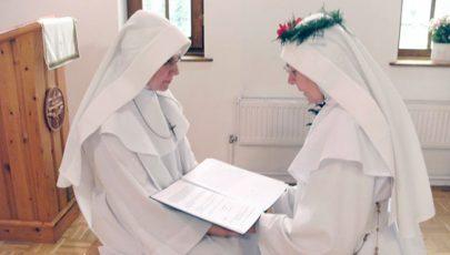 Pálos nővérek örökfogadalma