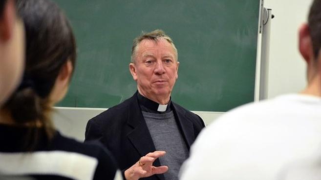Díszdoktori címet adományoztak Beer Miklós püspöknek