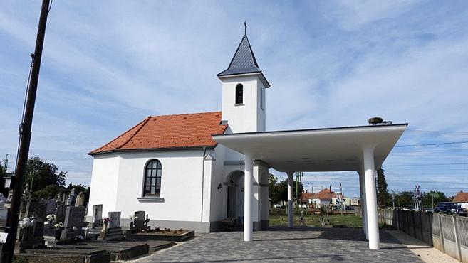 Felújított temetőkápolna Kapuvár-Gartán