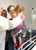 Gyermekkórházba látogatott a pápa