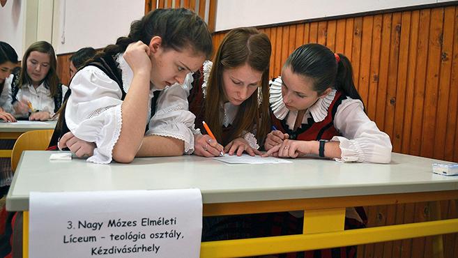 Országos hittanverseny a nagyváradi Szent László-líceumban
