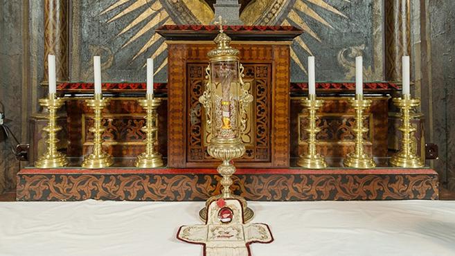 Szent Gellért-ereklyét kapott a bakonybéli bencés közösség