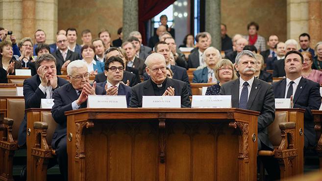 Átadták az Esterházy-díjat a Parlamentben