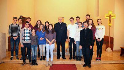 Ministránsokkal találkozott Erdő Péter bíboros