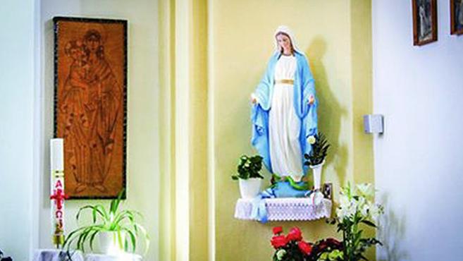 A pásztói Mária-szobrok könnyezéséről