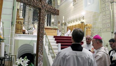 Az eucharisztikus kongresszus missziós keresztje Veszprémben