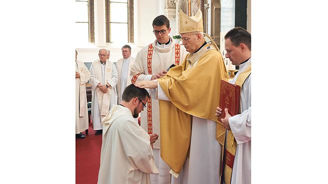 Jezsuita diakónusok szentelése Budapesten