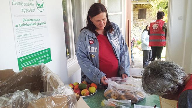 A székesfehérvári Karitász az élelmiszermentő programban