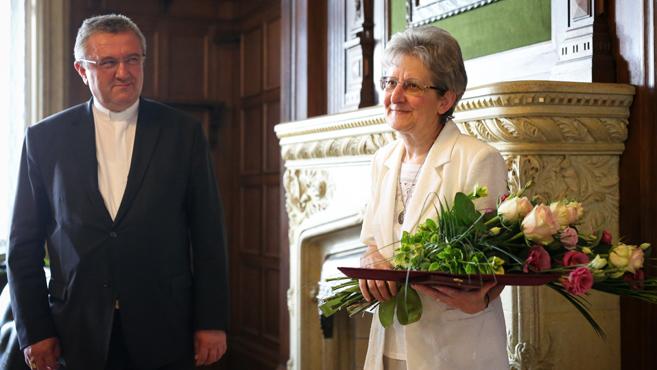 Pro Ecclesia Hungariae díjat adományoztak Németh Emma szociális testvérnek
