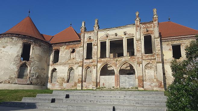 Egy emberarcú kastély: Bonchida