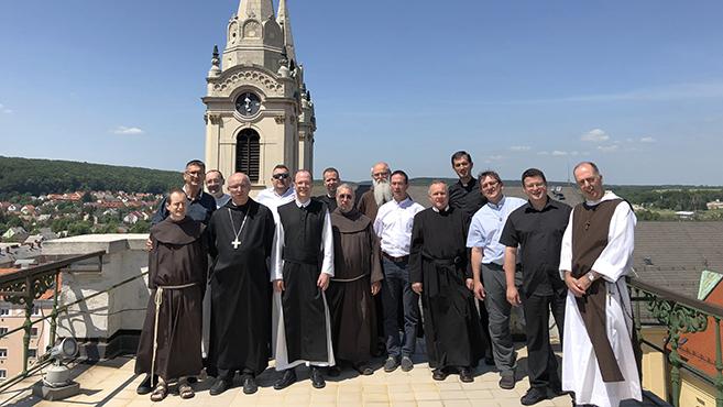 Zircen üléseztek a férfi szerzetes-elöljárók