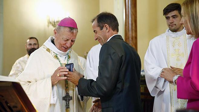 Beer Miklós püspök Szent Mihály főangyal-díjas