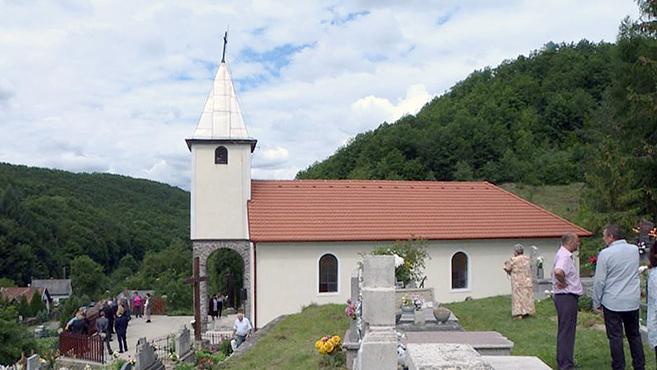 Ötvenéves a vágáshutai templom