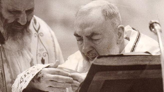A tisztítótűzből érkezett látogató Pio atyához