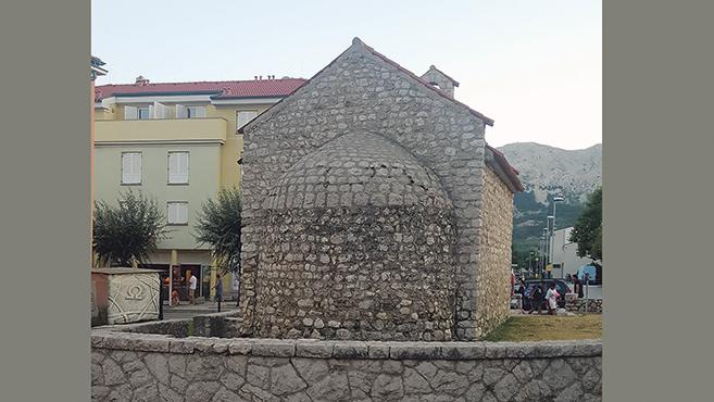 Kápolna a strand közelében