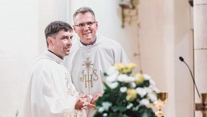 Ünnepélyes fogadalomtétel a jezsuiták Szent Ignác-napi miséjén