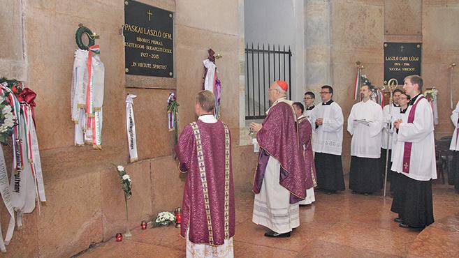 Erdő Péter szentmisét mutatott be Paskai László bíborosért halálának évfordulóján