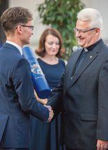 Székesfehérvár díszpolgára lett Spányi Antal püspök