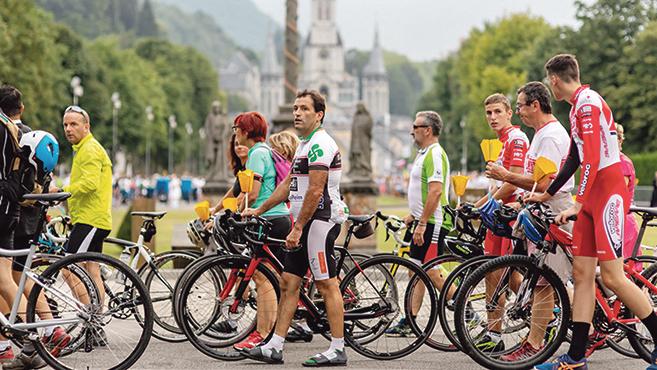 Lourdes-ban jártak a Tour de France versenyzői