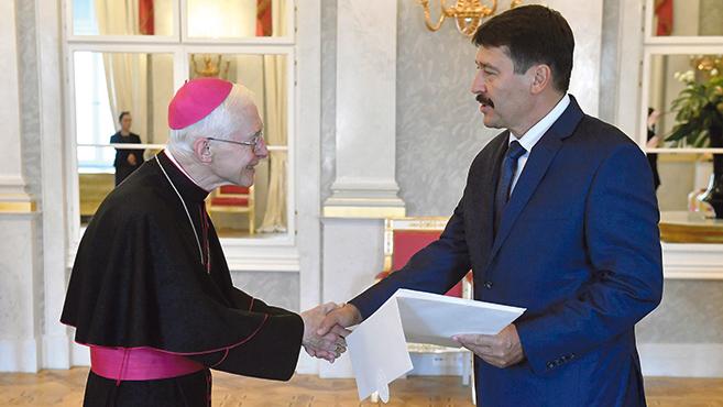 Magyarország új nunciusa átadta a megbízólevelét